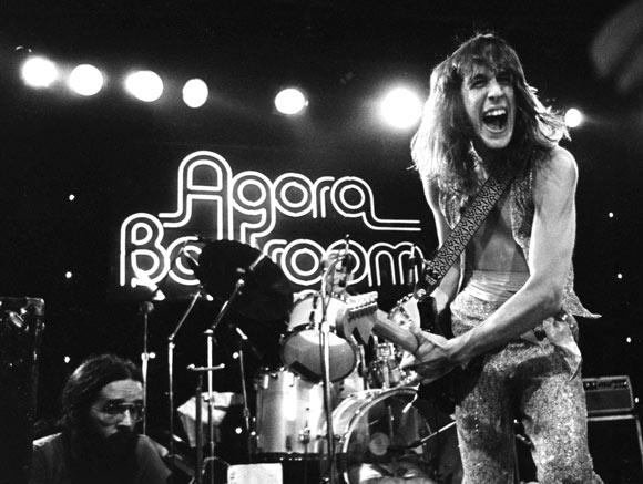 Todd Rundgren at the old Agora1976 on E24th - Photo Janet Macoska