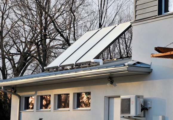 Solar panels on the home of Cleveland couple, Linda Butler and Steven Nissen. Photo Bob Perkoski