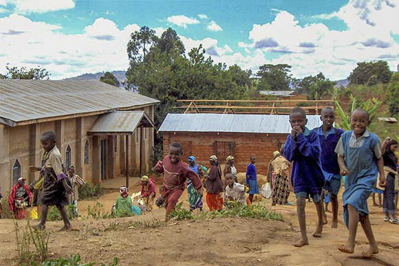 IPM Kandula Community Project: Building a school in the community