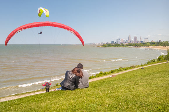 Hang gliding at Edgewater Park