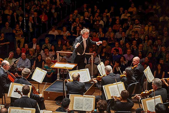 Franz Welser-Möst leads The Cleveland Orchestra in Ravel's captivating, magical Daphnis and Chloe