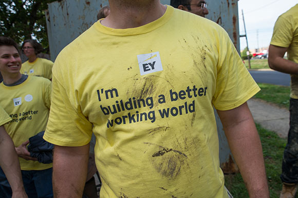 Ernst & Young volunteers cleanup the Euclid Railroad-Green Creek Corridor