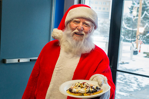 Breakfast with Santa at Lock 3's Winter Fest