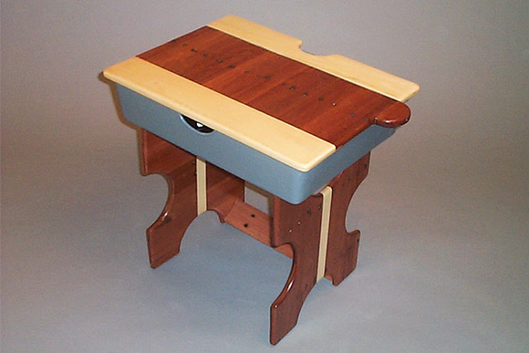 CIA student Grady Hayes - Modular Desk for the pallet board challenge