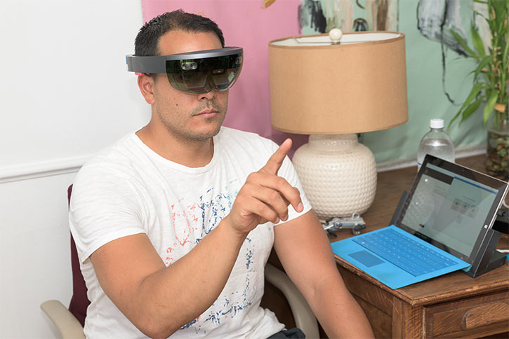 Reynaldo Zabala using one of the wirless VR headsets