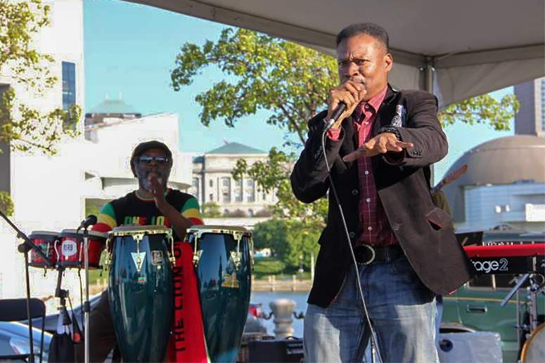 Vince Robinson  performing with Vince Robinson & The Jazz Poets at Voinovich Park
