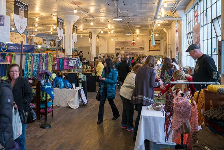 Holiday Market at the Screw Factory