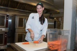 Amanda Ernsberger participates in Lutheran Metropolitan Ministry's Chopping for Change program