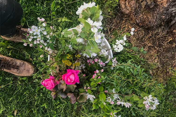 Foraged & grown flowers from Frayed Knot Farm