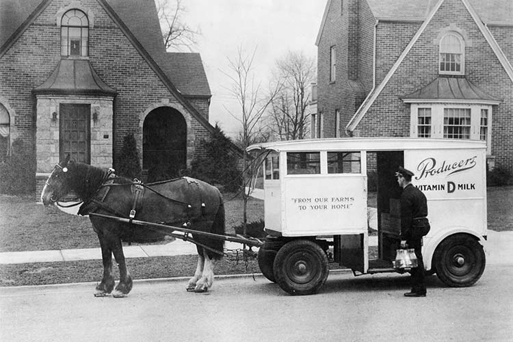 Producers milk delivery in 1938 in Old Brooklyn