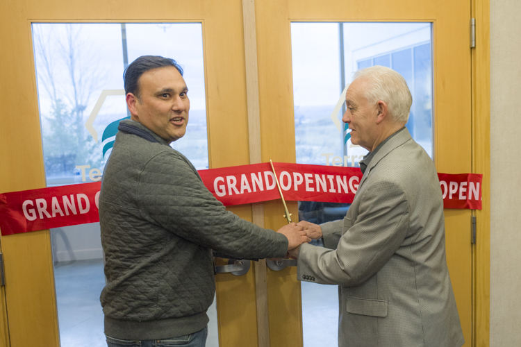 Dr. William Kedia, Terrasana Founder, Chief Medical Officer and Head of Research with Garfield Heights Mayor Vic Collova at the Terrasana Cannabis Company grand opening