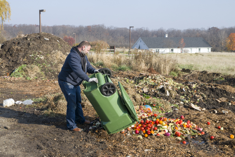 Composting at CWRU Squire Valleevue and Valley Ridge Farms
