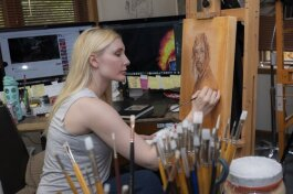 Leigh Bongiorno working in her studio
