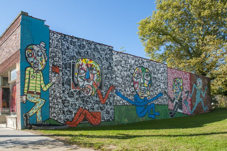 The first mural Waterloo Arts put up in the 2013 Zoetic Walls project by artist Rae