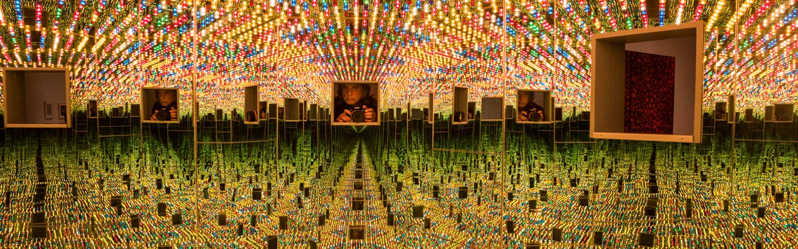 Yayoi Kusama - Infinity Mirrors at the Cleveland Museum of Art <span class='image-credits'>Bob Perkoski</span>