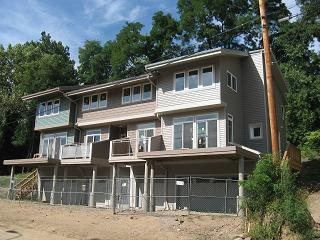 Footbridge Townhomes under construction in 2010