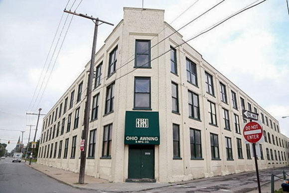 150 Year Old Ohio Awning Moves Leaves Historic Building In Good Hands