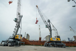 The new Liebherr cranes at the Port of Cleveland unloading the vessel Floretgracht