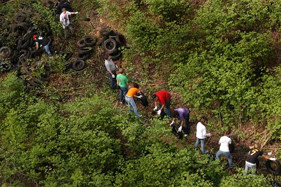 RiverSweep consisted of a �tire brigade� dedicated to cleaning up tires dumped along the proposed trail site