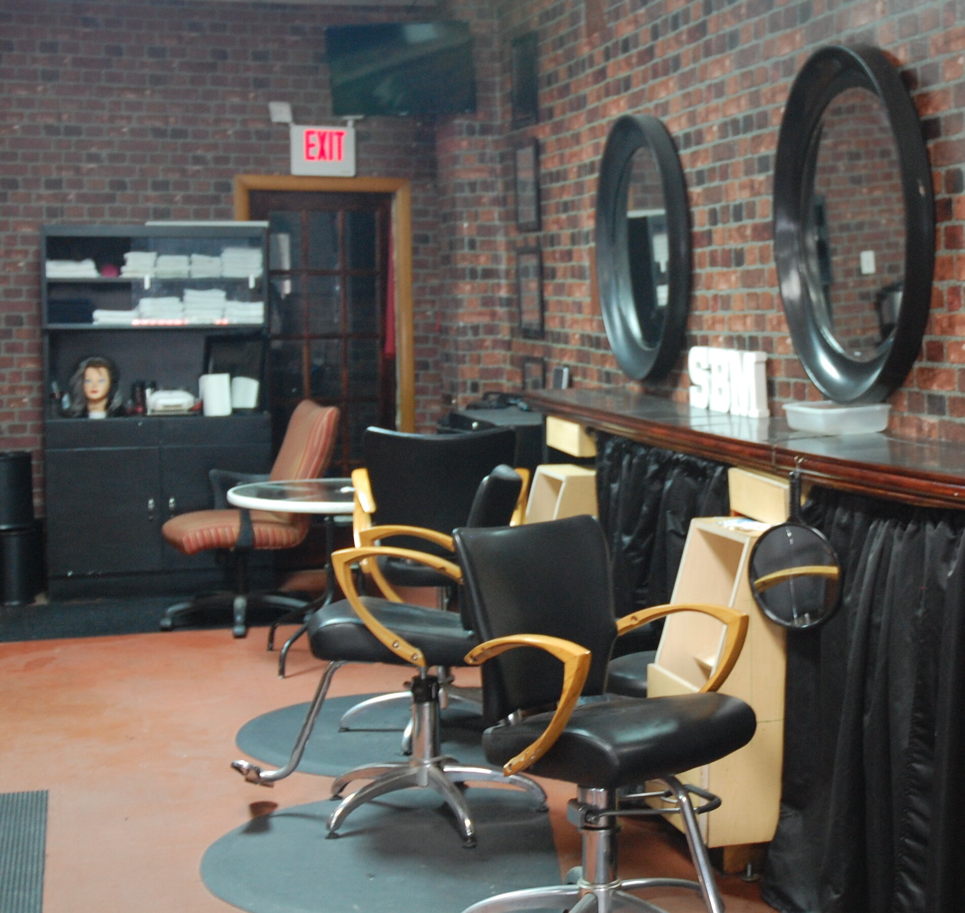The Rose of Sharon Barber Salon